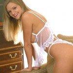 http://erotikablog.unblog.fr/2015/01/16/la-striptizo-de-franceska/